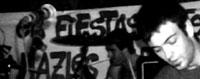Euskal Herriko gaztetxe eta tabernetan aritu dira jotzen