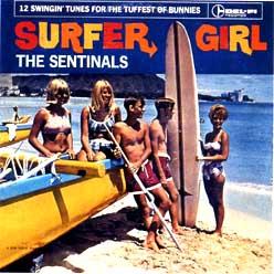 Surfa, hondartza eta neska-mutikoak