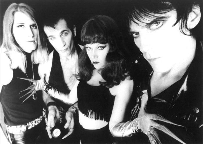 The Cramps, 50eko rock and  rolla, punk eta garagearekin nahastuta.